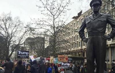 У Лондоні протестують проти міграційного указу Трампа