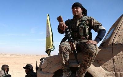 Курди і сирійські повстанці почали наступ на Ракку