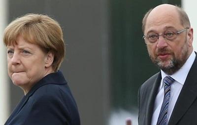 Меркель і Шульц зрівнялися за популярністю в соцопитуванні