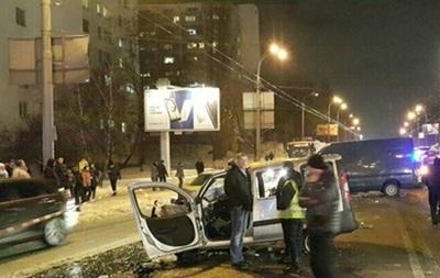 ДТП у Києві: поліція не підтвердила смерть дитини