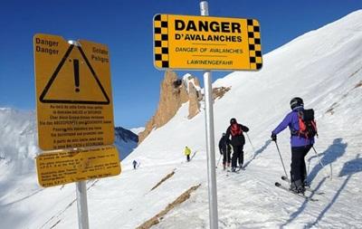 В Альпах під лавиною опинилися дев ять осіб, є жертви