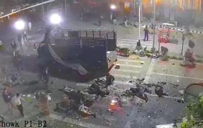 У Мережу виклали відео вибуху смертника у Пакистані