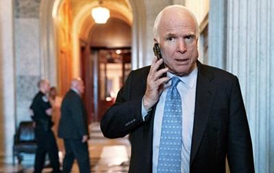 Пранкер заявил о звонке Маккейну от лица Гройсмана