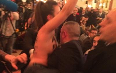 Активістка Femen намагалася зірвати виступ Марін Ле Пен