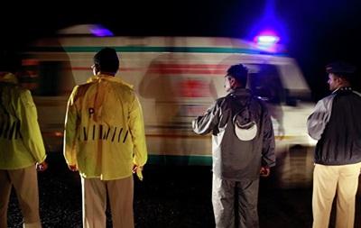 В Індії автобус впав з мосту: вісім жертв