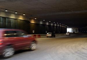 Фотогалерея: Свет в конце. На Почтовой площади в Киеве открыли автомобильный туннель