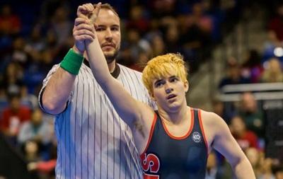 Трансгендер виграв турнір з боротьби серед дівчат у США