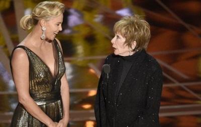 Іранське телебачення  замалювало  тіло Шарліз Терон на Оскарі