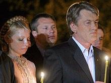 Ющенко и Тимошенко в Софийском соборе помолились за Украину