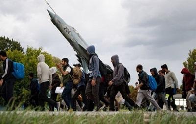 Парламент Венгрии одобрил закон о лагерях для мигрантов