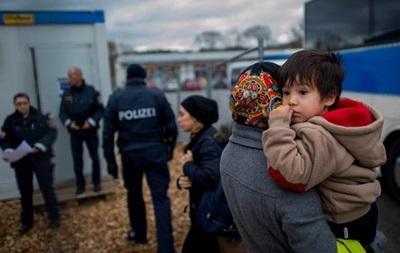Поток беженцев в Германию сократился в четыре раза