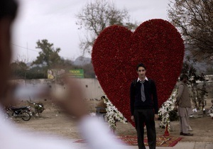 Мужчины чаще женщин влюбляются с первого взгляда - исследование