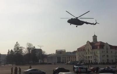 У центрі Чернігова вертоліт забрав генерала