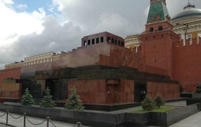 РПЦ просить прибрати Леніна з Красної площі