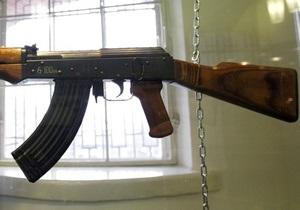 В Запорожье в салоне маршрутки обнаружили автомат Калашникова и другие боеприпасы