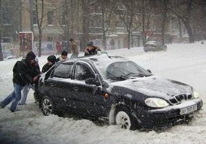 Снегопады в Украине: эпицентр стихии переместился в Донбасс