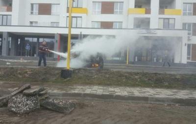 Під Києвом спалили джип забудовника