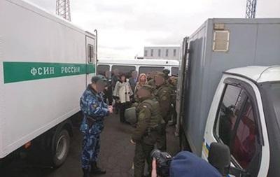 Росія передала Україні 12 ув язнених з Криму