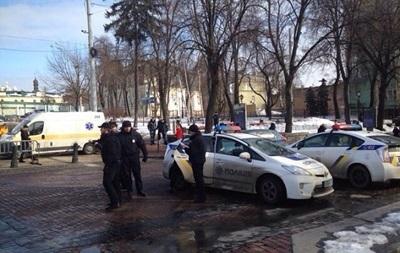 Центр Києва посилено охороняють