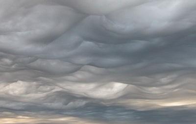 Метеорологи випустили атлас з 12 новими типами хмар