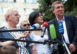 К Тимошенко прибыли немецкие врачи