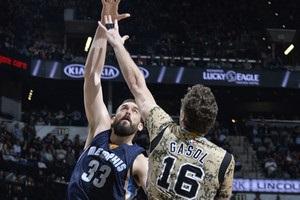 НБА: Сан-Антоніо переміг Мемфіс, Фінікс програв Брукліну