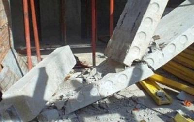 У Львові плита впала на будівельників, один загинув
