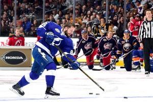 НХЛ: Кучеров - перша зірка дня