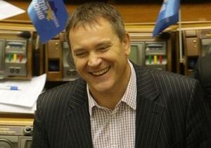 Колесниченко уверен, что Янукович подпишет языковой закон