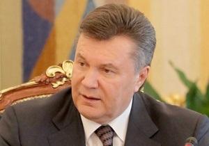 Янукович поручил Пшонке изучить ситуацию со свободой слова