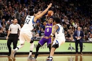 НБА: Кливленд проиграл в Чикаго, Лейкерс уступили Миннесоте