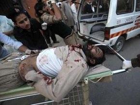 Смертник подорвал полицейский участок в Пешаваре: есть жертвы