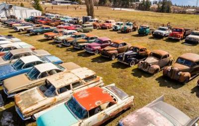У Канаді продають кладовище авто за мільйон