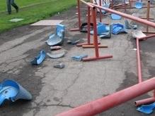 Литовцы с эстонцами разгромили стадион в Юрмале
