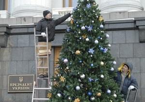 СМИ: Янукович записал новогоднее поздравление с шестого дубля