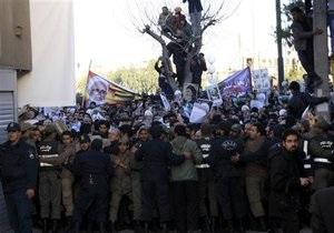 В Иране произошли столкновения между полицией и оппозиционерами