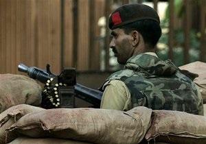 В Пакистане смертник взорвал более десятка человек