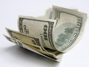 НБУ понизил курс гривны до рекордного уровня