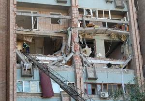 новости Луганска - взрыв газа - Азаров - Дом в Луганске, пострадавший от взрыва газа, восстановят до отопительного сезона - Азаров