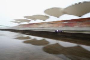 Гран-при Китая: первая практика сорвана из-за непогоды