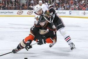НХЛ: Анахайм всуху розгромив Чикаго, Торонто програв Тампі