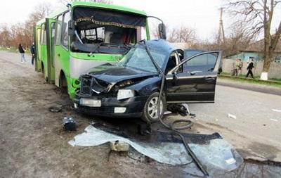ДТП в Балаклее: двое погибших, 13 пострадавших