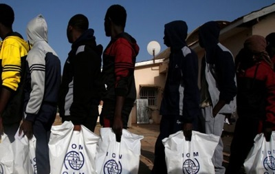 МОМ: Мігрантів із Африки продавали як рабів
