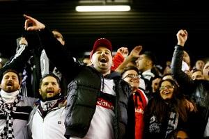 Турецкие фанаты сорвали начало матча Лиги Европы Лион - Бешикташ