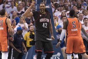 Нене повторив рекорд плей-офф НБА, реалізувавши всі кидки з гри