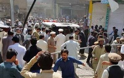 При взрыве в Пакистане погибли десять человек
