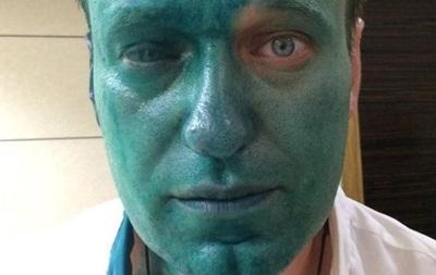 Навальний заявив, що може осліпнути на одне око від зеленки