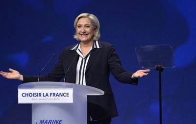 Ле Пен звинуватили в плагіаті за цитування з промови Фійона