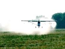 В Луганской области пилот самолета случайно полил гербицидами село