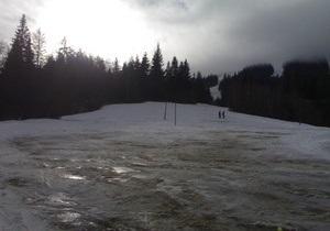 Спасатели нашли лыжников, заблудившихся в Карпатах